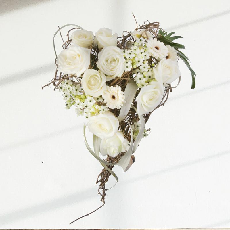 Murielle bailet fleuriste carcassonne meilleur ouvrier - Bouquet de fleur en coeur ...