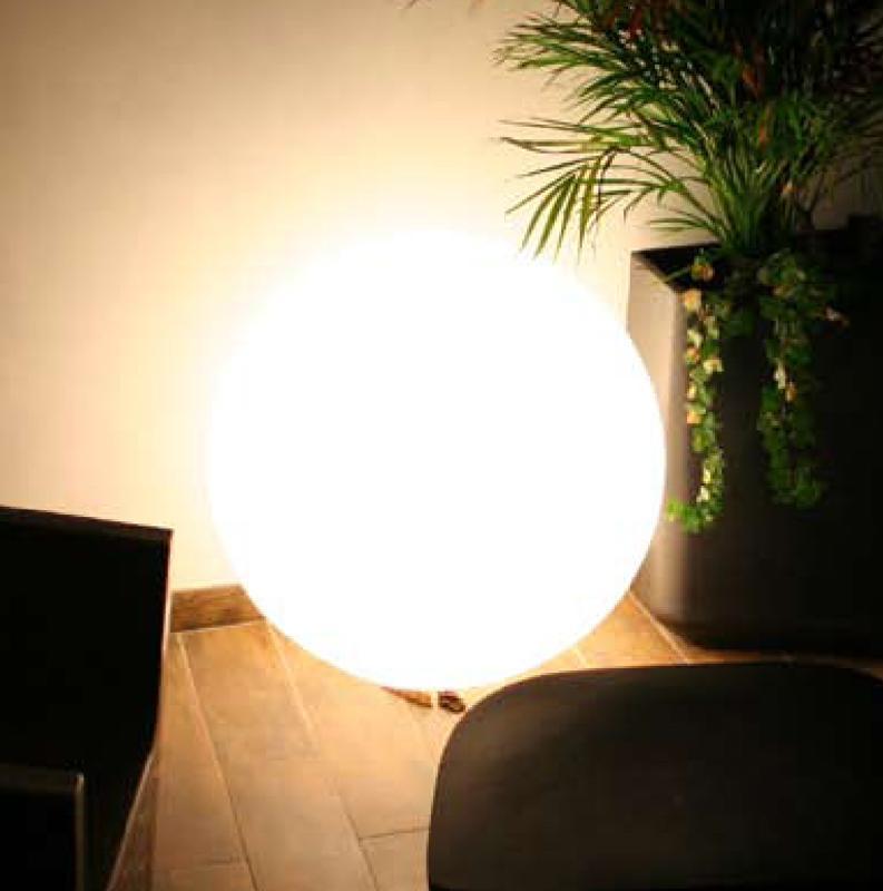 collection qui est paul lumineux. Black Bedroom Furniture Sets. Home Design Ideas