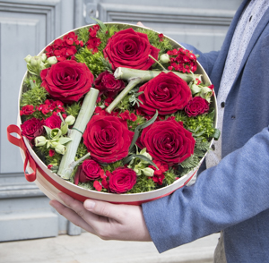 Big Red Box Roses - MB Murielle Bailet ®